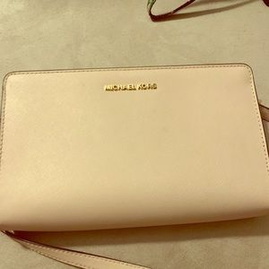 MIchael Kors Jet Set Leather Crossbody Clutch